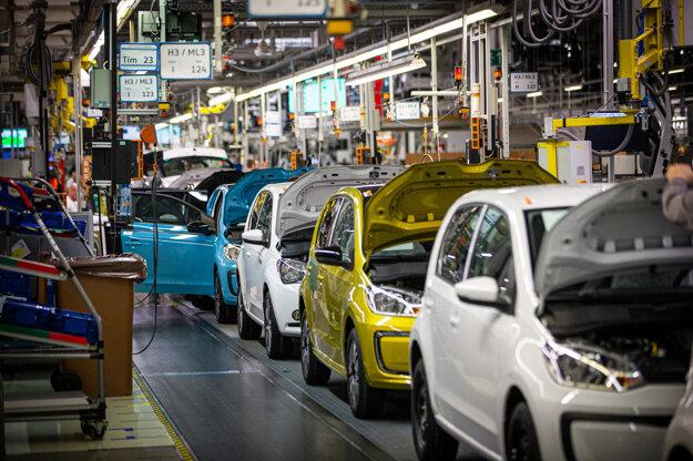 Na prerušenie výroby sa už pripravuje slovenský závod Volkswagenu. Ilustračná fotografia.