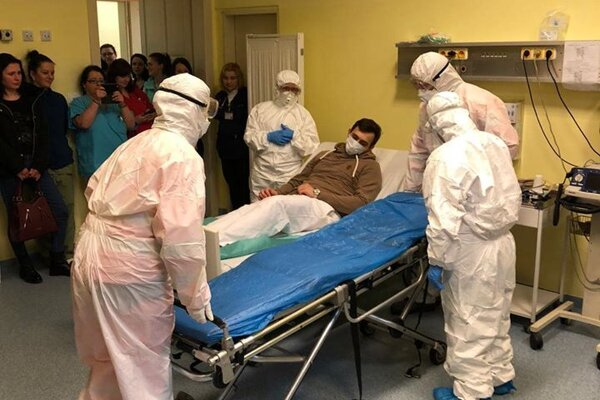 BioHazard tím musí pracovať veľmi zodpovedne. Do kontaktu totiž prichádza s osobami, u ktorých je podozrenie na koronavírus.