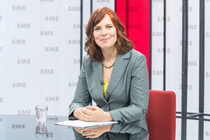 Ministerka pre investície a regionálny rozvoj: Veronika Remišová, Za ľudí