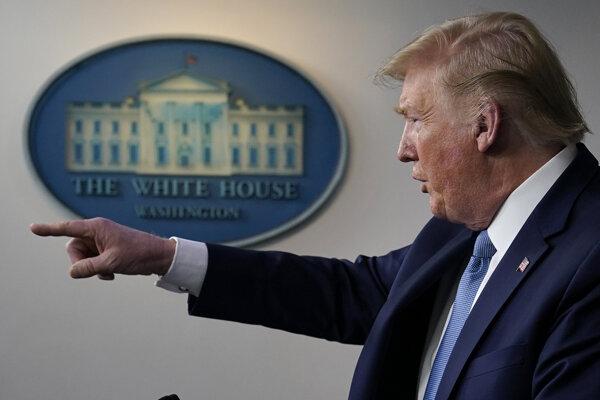 Americký prezident Donald Trump počas tlačovej konferencie v Bielom dome vo Washingtone 16. marca 2020.