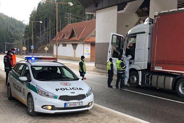 Otec strateného cyklistu požiadal o pomoc hliadku na hraničnom priechode v Makove.