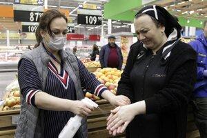 Dezinfekcia v obchode v čečenskom meste Groznyj.