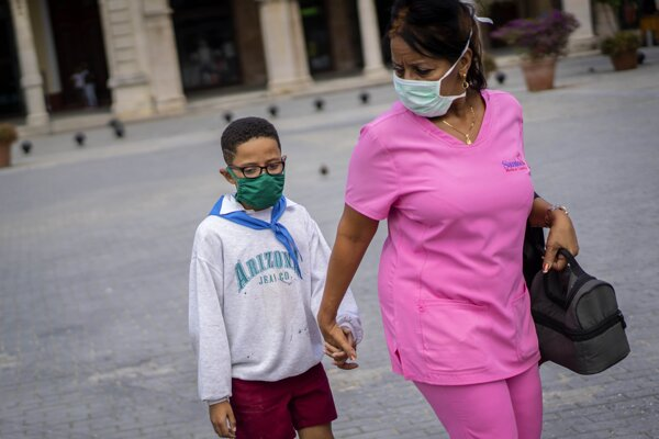 Kuba prijíma opatrenia proti šíreniu nového koronavírusu.