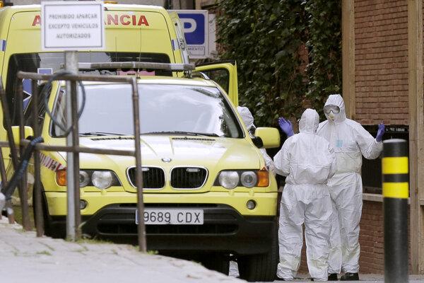 V Španielsku evidujú takmer 4000 nakazených zdravotníkov.