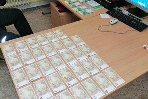 Z ukradnutých peňazí sa drzí zlodeji dlho netešili.