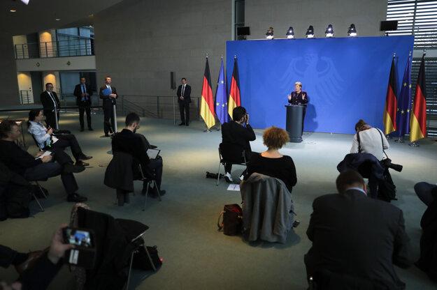Angela Merkelová počas brífingu.
