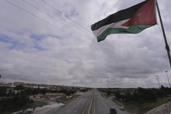 Prázdne ulice v jordánskom hlavnom meste Ammán.