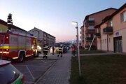 Požiar balkónu v Nemšovej.