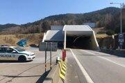 Tunel Branisko uzavrú na štyri hodiny.
