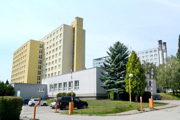 Internáty Univerzity veterinárskeho lekárstva a farmácie na Podhradovej 11 a 13.