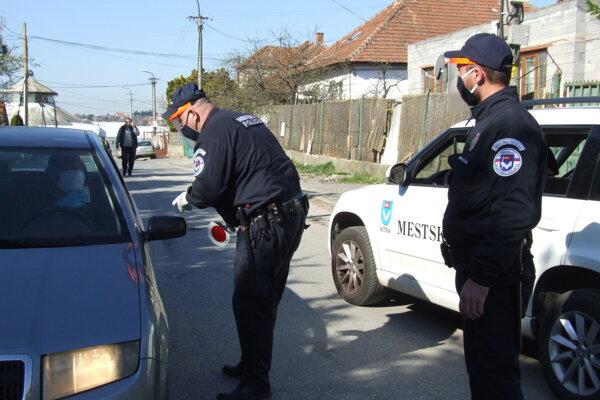 Hliadka metskej polície na Borovej.