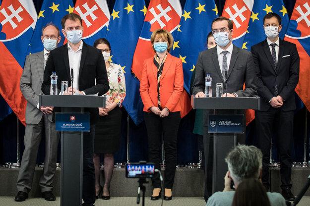 Premiér Igor Matovič a minister zdravotníctva Marek Krajčí.