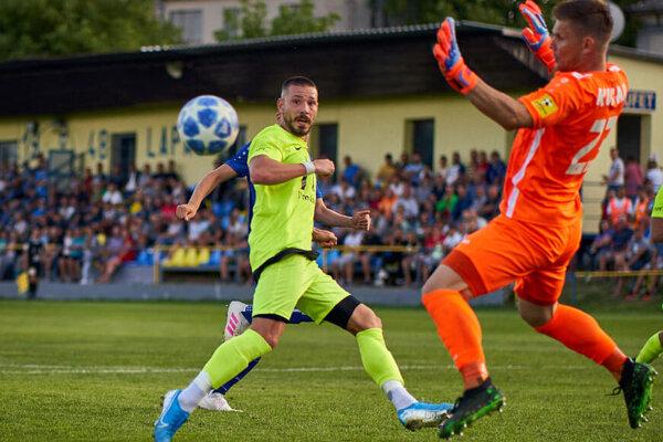 Michal Béger strelil v šestnástich kolách 21 gólov.