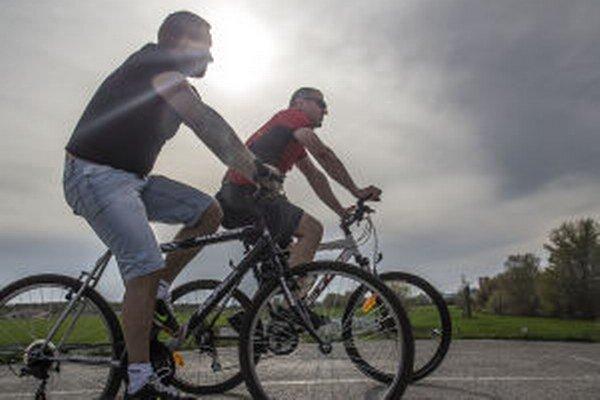 Akcia Do práce na bicykli má spropagovať a podporiť cyklodopravu. V Novej Bani sa do nej zapojili opakovane.