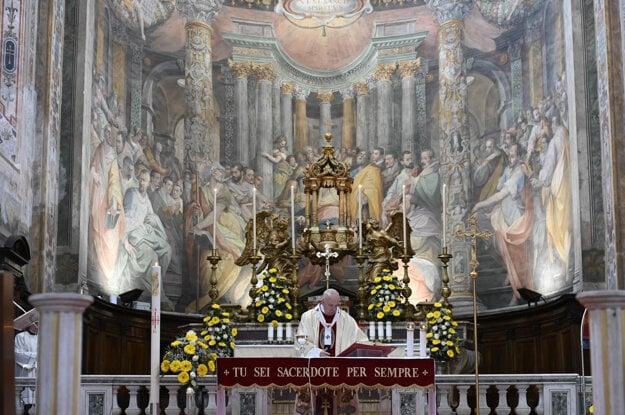 František slávil omšu v rímskej Svätyni Božieho milosrdenstva (Spirito Santo in Sassia) nachádzajúcej sa neďaleko Vatikánu.