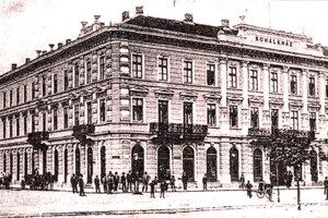 Hotel Schalkház v Košiciach: Narodila sa v ňom Sára Schalkházi, ktorá si zvolila duchovnú cestu. Počas vojny pomáhala Židom, bola zastrelená a hodená do Dunaja v Budapešti.