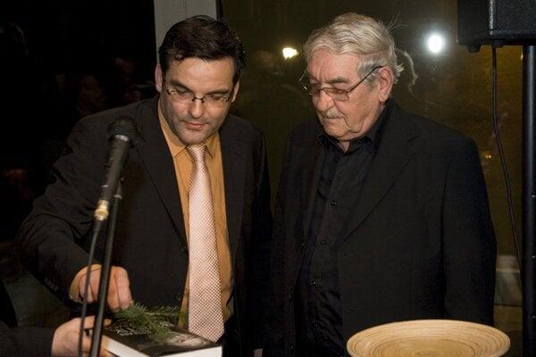 Martin Kvietik (vľavo) je synom známeho slovenského herca Štefana Kvietika.