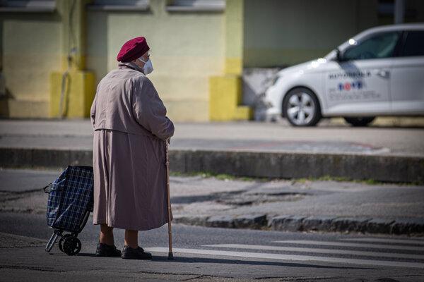 Seniori môžu nakupovať aj v inom čase ako od 9. do 11. hodiny.