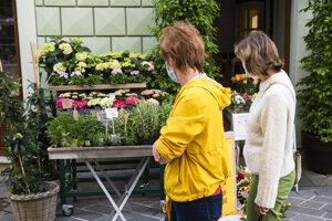 Otvorená prevádzka kvetinárstva na Radničnej ulici v Bratislave.