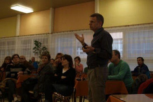 Obyvatelia Etapy diskutovali o plánovanom projekte v blízkosti ich obydlí.