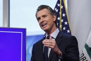 Guvernér Kalifornie Gavin Newsom.