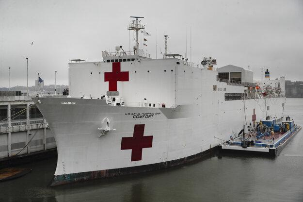 Nemocničná loď amerického vojenského námorníctva.