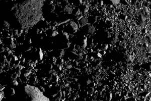 Západný okraj miesta zvanom Nightingale, z ktorého sonda OSIRIS-REx odoberie vzorky.
