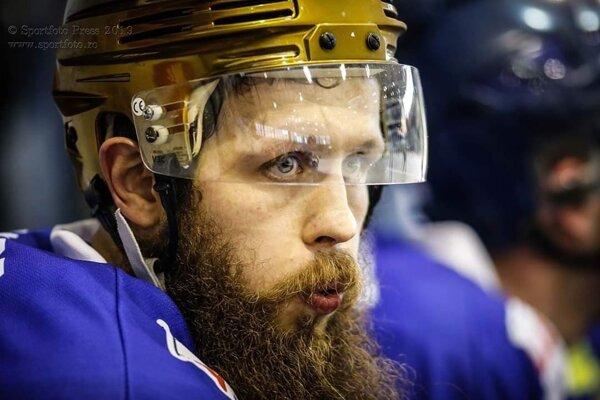 Radim Valchař je hokejovou hviezdou v Rumunsku.
