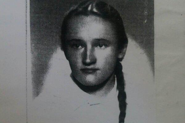 Verona P. mala počas vojny 11 rokov. Táto fotografia je z obdobia, keď bola už staršia.