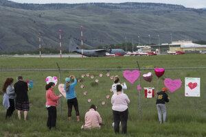 Miesto nehody na kanadskom letisku Kamloops.