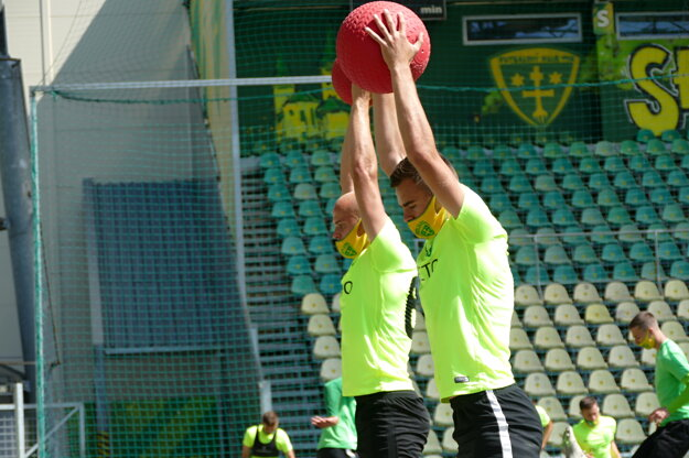 Futbalisti MŠK Žilina počas tréningu na štadióne v Žiline.