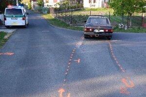 Policajtom unikajúci vodič Mercedesu nafúkal 2 promile.