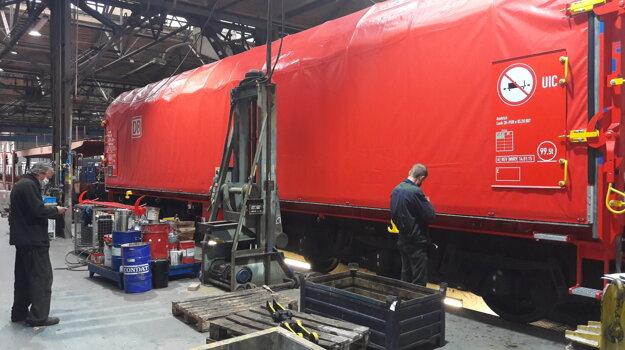 Práce na modernizovanom vozni Sahimms pre DB Cargo