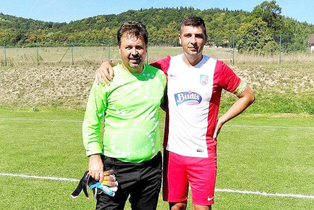 V jednom zápase sa stretol proti svojmu synovi.