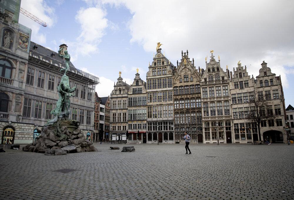 Historické centrum belgického mesta Antverpy na fotografii z 14. marca 2020.