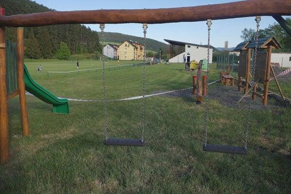 V Papradne už majú detské ihrisko, pribudne aj komunitné centrum pri bytvkách.