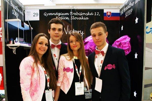 Spolumajitelia spoločnosti Herbik Jakub Kalmár (vľavo), Martina Kráľovská (v strede) a Michal Janko (vpravo).