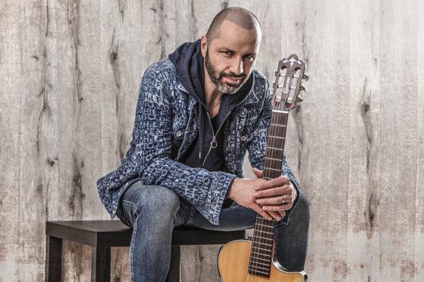 Robo Opatovský zahrá na koncerte v Zuzkinom parku o 16.00 hod.