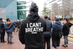 Športovci reagujú na násilnú smrť Afroameričana Georgea Floyda, rasizmus a vlnu násilností.