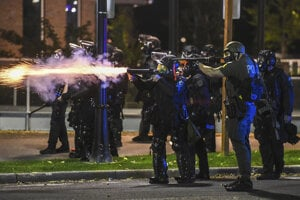Polícia zasahuje v Washingtone.