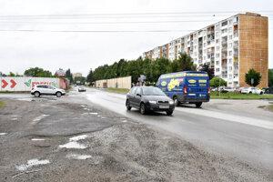 Niektorí motoristi očakávajú, že problém s kolónami sa po rozšírení Slaneckej presunie na hranicu Jazera a Krásnej.