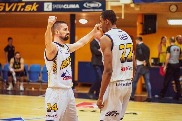 S. Baldovský (vľavo) bude aj v nasledujúcej sezóne obliekať dres Iskry Svit.