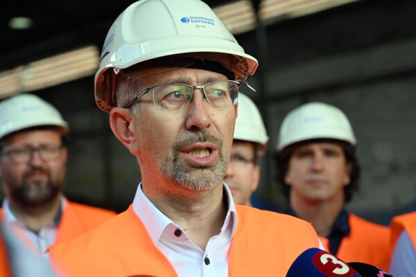 Predseda Výboru NR SR pre hospodárske záležitosti Peter Kremský.