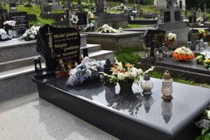 Úplne vynovený hrob.