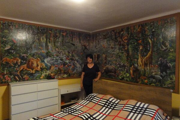 Erika Pinke pred svojím najväčším, 40-tisícovým puzzle.