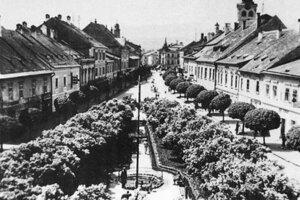 Park Juraja Hudeca bol kedysi zeleným priestorom s množstvom orgovánov a fontánov.