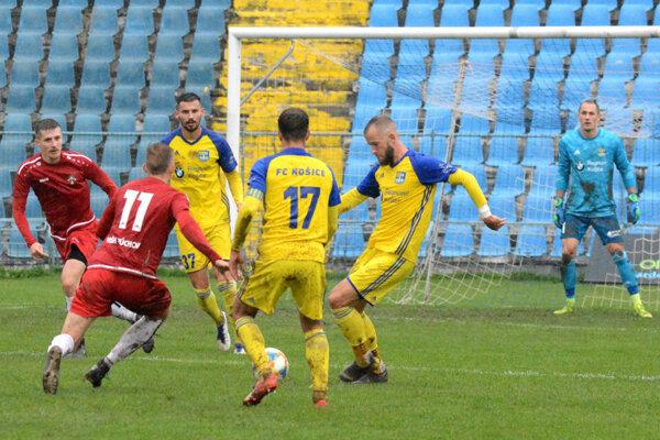 František Pavúk (druhý sprava) spečatil výhru s Vranovom a vyslúžil si prirovnanie k hviezde Realu Madrid.