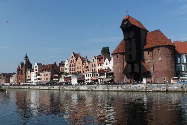 Historický žeriav v poľskom meste Gdansk.