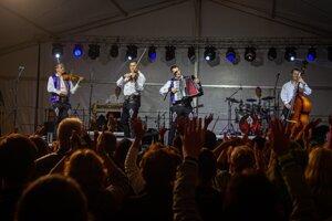 Sobotný koncert Kollárovcov prilákal dostatočný počet návštevníkov.