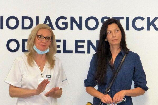 """Daniela (vpravo, spolu sprimárkou oddelenia Zuzanou Mičiakovou): """"Doktor Kazemi bol veľmi duchaprítomný. Ďakujem mu za záchranu života."""""""